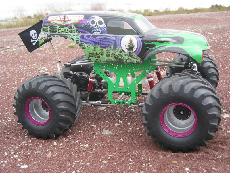 ABC\'s on how to build a modified Clodbuster monster truck